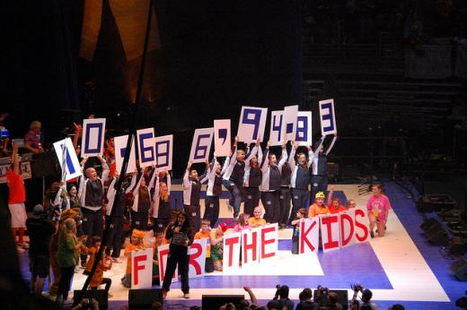 Striking a Tone: How THON Acknowledged the Penn State Crisis, Kept a Four Diamonds Focus