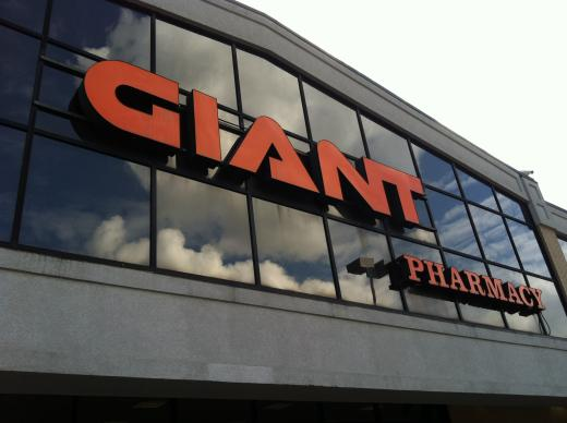 Northland Center Giant Gets Liquor License
