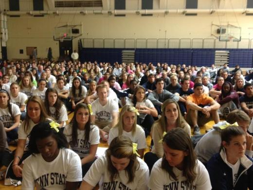 Hundreds Take to Rec Hall for 'Pray for Paige' Vigil
