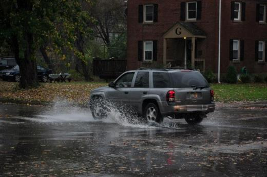 Hurricane Sandy: Storm Closings, Delays and Outages
