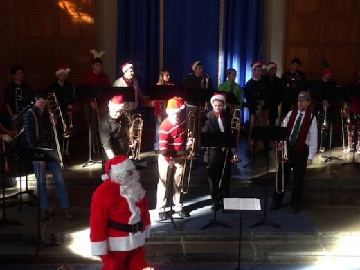 Three Minutes of Holiday Heaven, Santa Conducts Trombone Chorus
