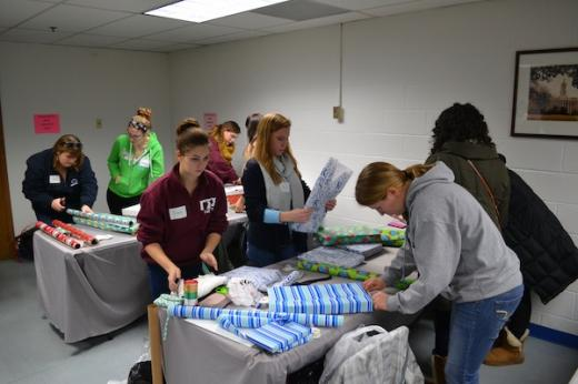 Penn State Students Lend a Hand at Jeans for Teens
