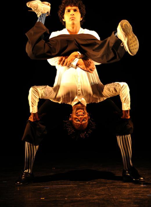 Compagnie Käfig Fuses Hip-Hop, Circus and Martial Arts