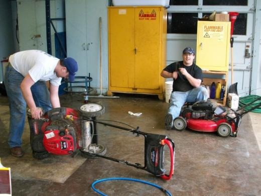 Engineering Students to Hold Lawnmower Maintenance Clinic