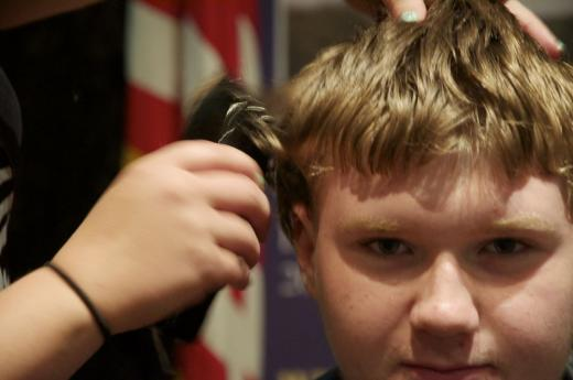 Military Museum Offers Buzz Cuts to Celebrate Summer, Promote History