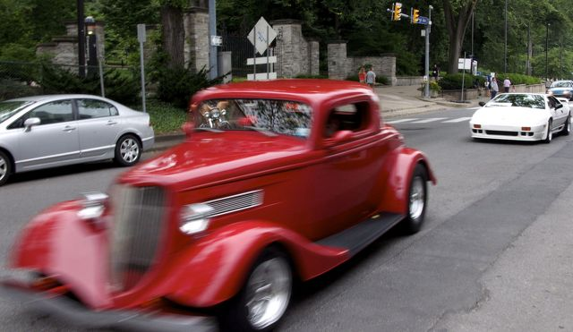 29th Annual 'Last Cruise' Unites Car Lovers For Good Cause