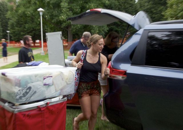 Moving Into Penn State Goes Smoothly for Students and Families