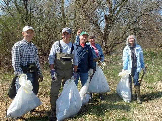 Hundreds of Volunteers Clean Watershed Pollution