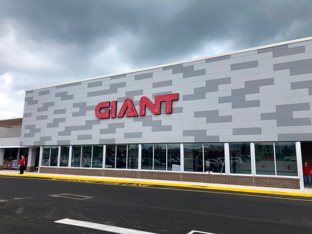 New Giant Grocery Store Opens Friday, College Avenue Location Set to Close