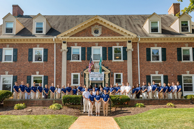 Caddie Scholars Move into Former Fraternity House