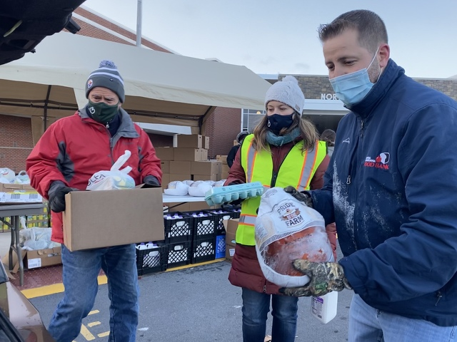 Amidst Pandemic, Food Bank Sees Increased Need for Thanksgiving Help