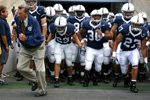 Penn State Football: Former Players Stand Behind Joe Paterno
