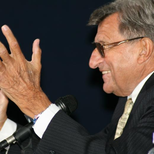 Corbett Orders Flags Lowered in Paterno's Honor, Says Coach Showed 'Grace and Forebearance'