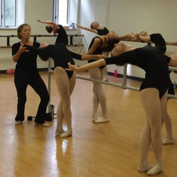 Sandonato spends time with ballet students