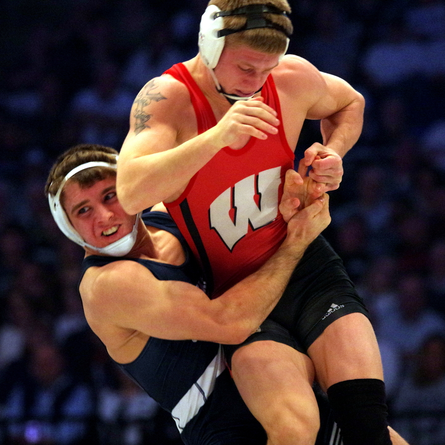 Penn State wrestling squad rolls to a pair of Big Ten victories