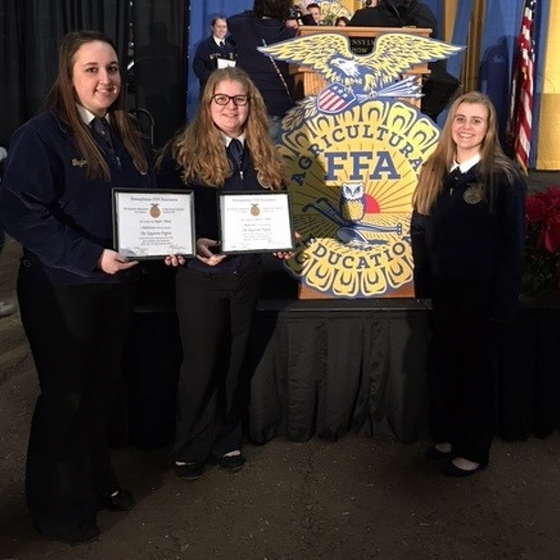 Local students receive FFA awards