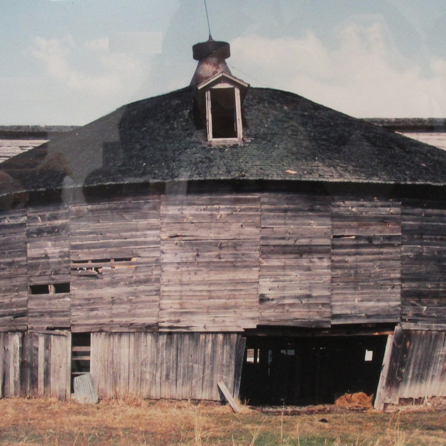 Dinner highlights Penns Valley's 'other' round barn