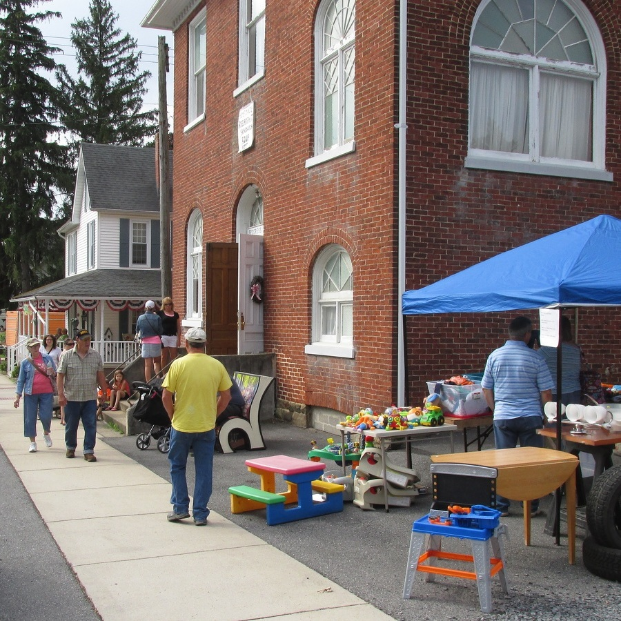 Yard sales draw large crowds to Centre Hall