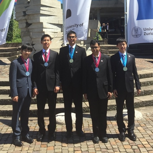 Liu helps U.S. Physics team finish in fifth place