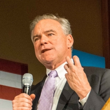 Kaine Brings Campaign to Penn State