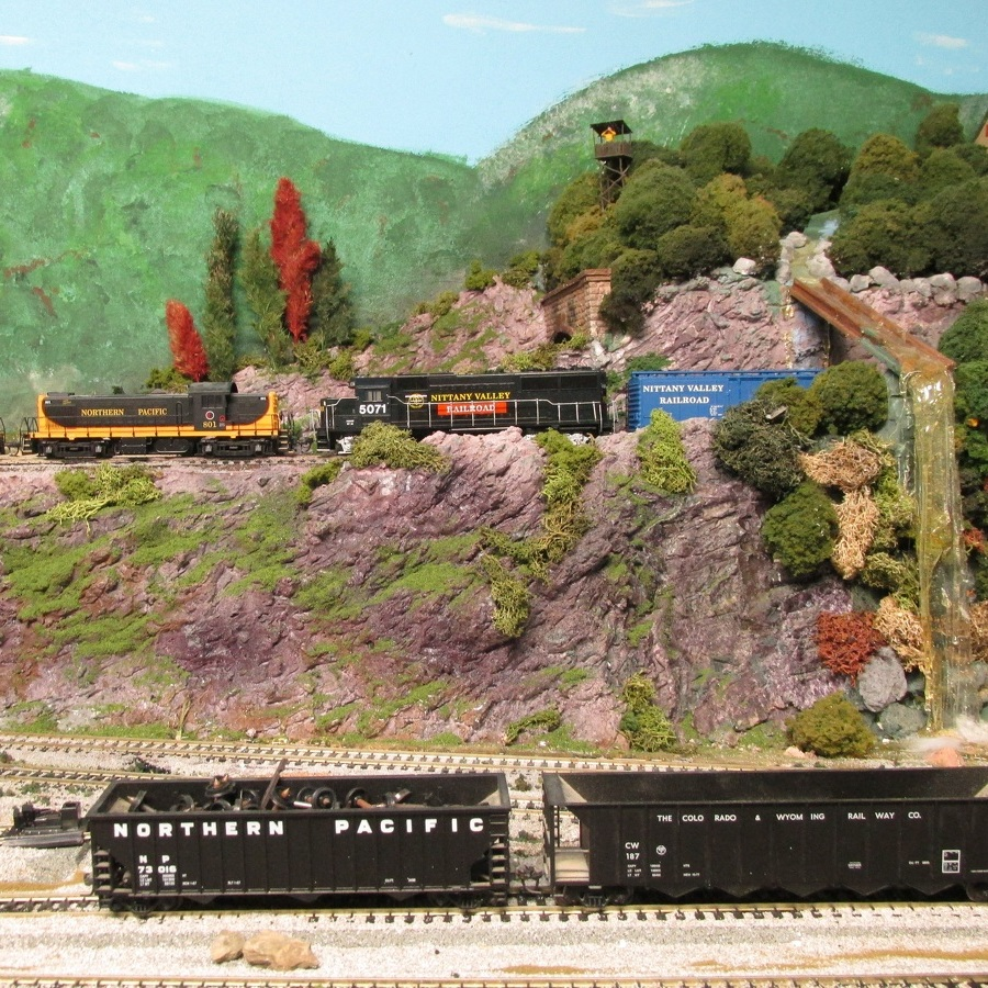 Spring Mills craft fair features model railroad layout