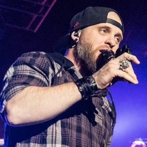 Fans 'Live It Up for the Weekend' with Brantley Gilbert at the BJC