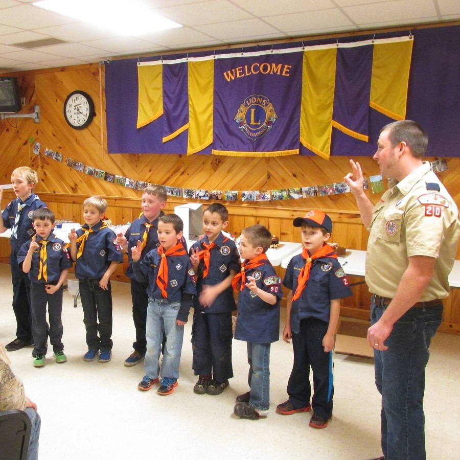 Centre Hall Cub Scouts learn about lizards during Blue and Gold banquet