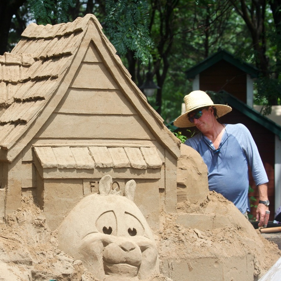 Greg Glenn Is the Man Behind the Sand at Arts Festival
