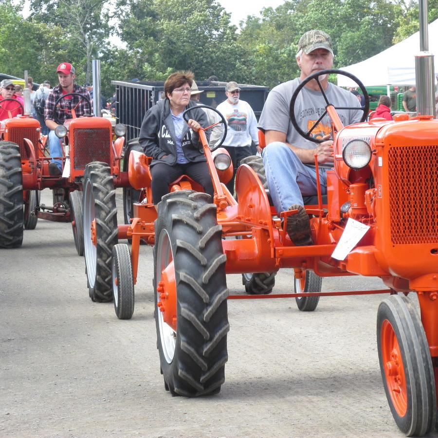 Antique machinery show draws crowds to Penns Cave