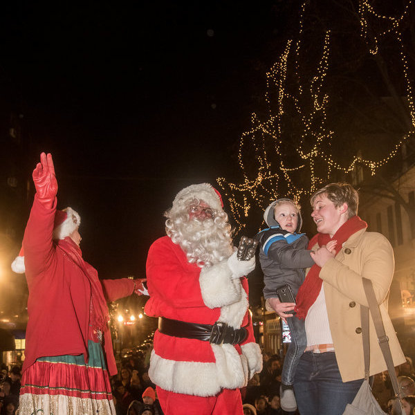 Downtown State College kick off holiday season