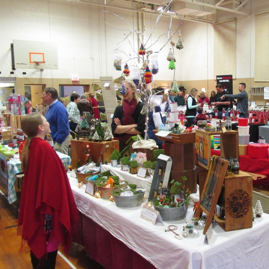 Holiday Craft Fair draws crowd in Spring Mills