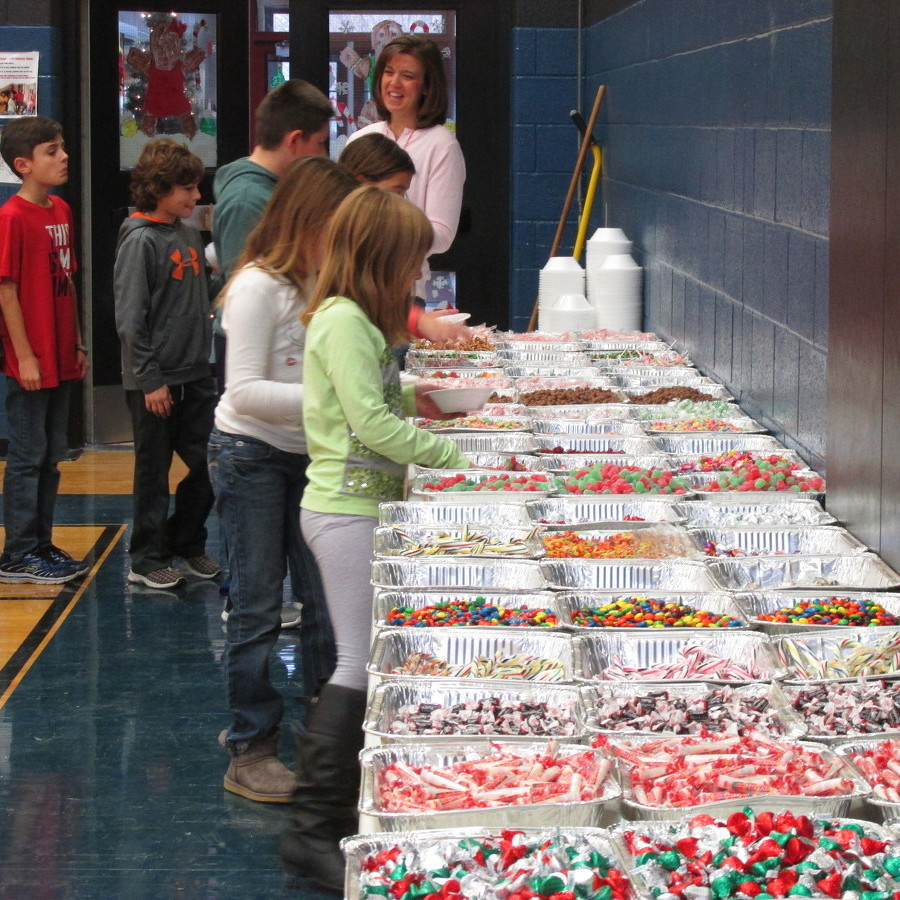 Centre Hall students decorate gingerbread houses