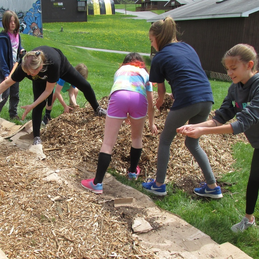 Penns Valley students volunteer at local summer camp