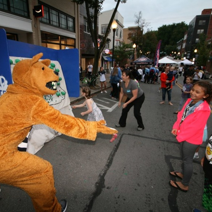 Annual LION Bash Aims to Connect Students with Local Residents