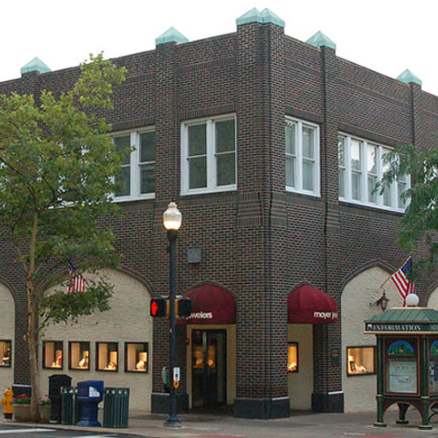 Moyer Jewelers Sets Closing Date