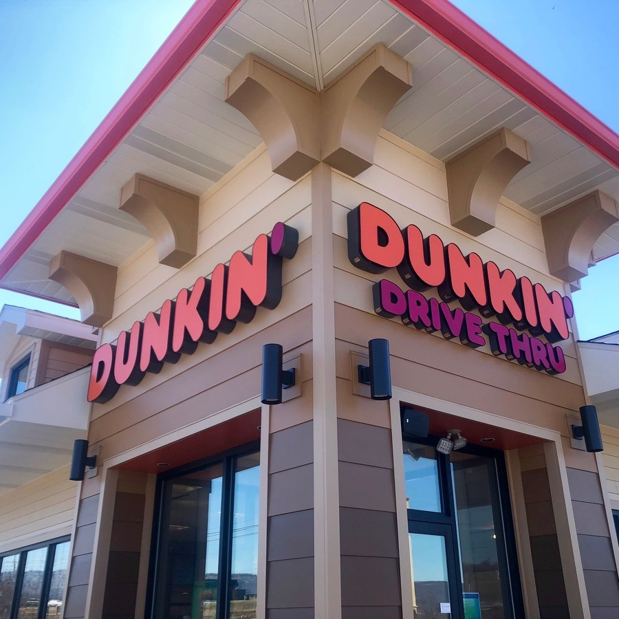 New Dunkin' Donuts Opens on Benner Pike