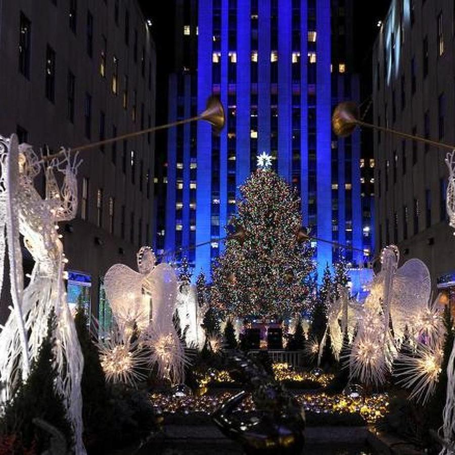 Finding the Joy of the Season on a Solo Trip to New York City