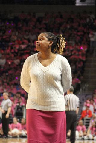 Penn State Women's Basketball: Coquese Washington Interviews for Michigan Vacancy, Report Says