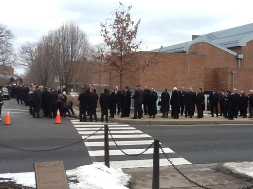 Joe Paterno Public Viewing: Former Players, Thousands More Line Up to Pay Tribute