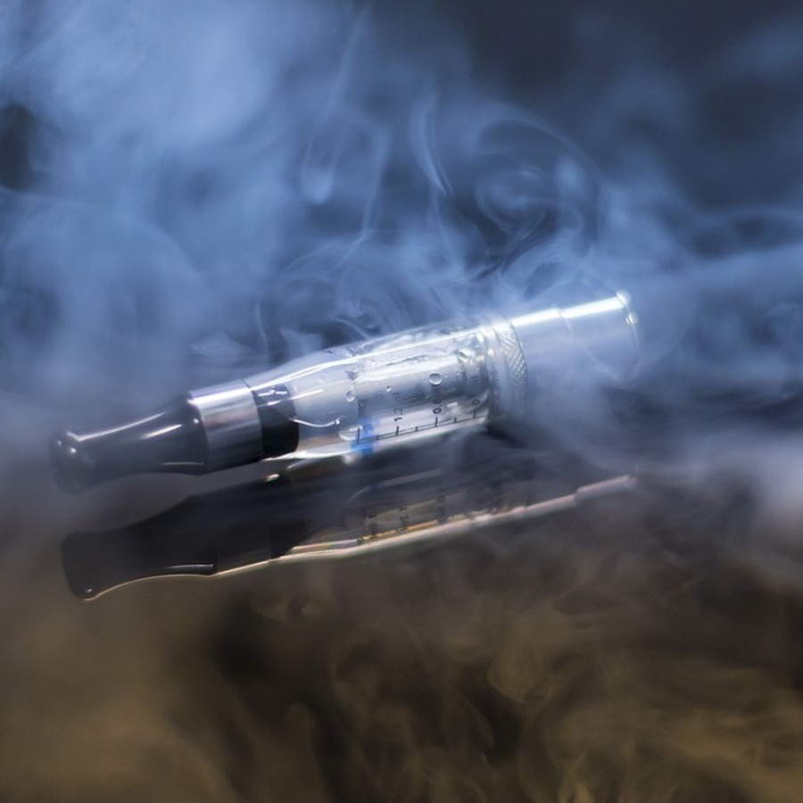 E-cigarettes less addictive than cigarettes, PATH study shows