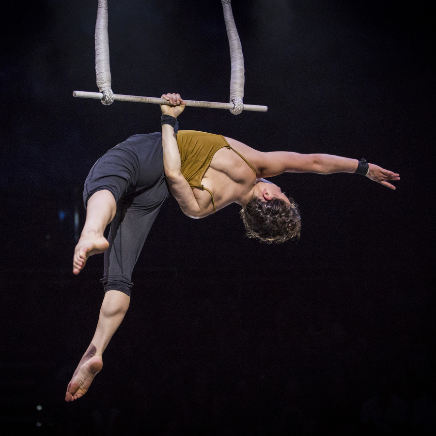 Australian Contemporary Circus Company to Perform 'Humans' at Eisenhower