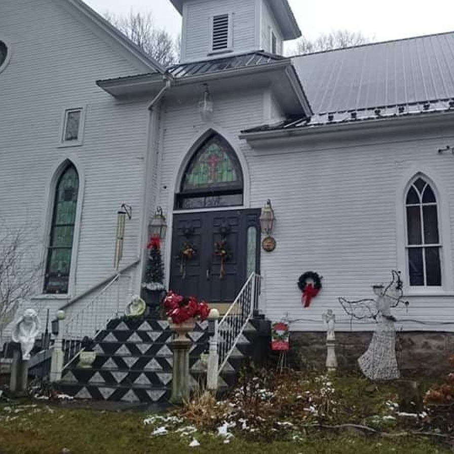Artist Ben Saggese finds wide success from his 'chouse' in tiny central PA village